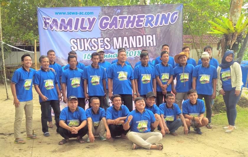 family-gathering-sukses-mandiri-sewa-ac-com